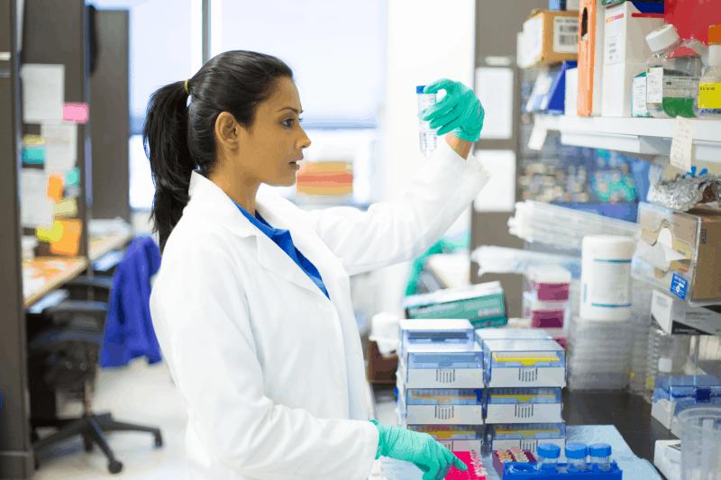 Прониквателна способност на локалните дерматологични комбинации антибиотик и стероид