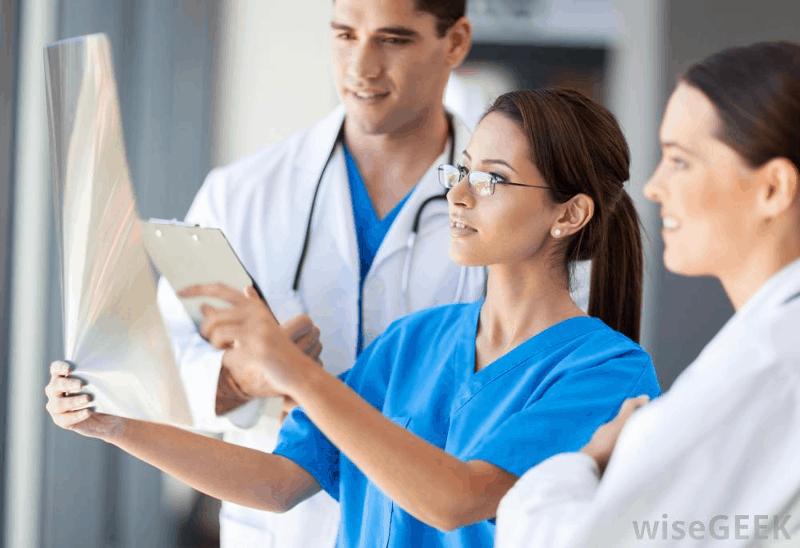 Десетки милиони дават чужденци, за да учат медицина в ...