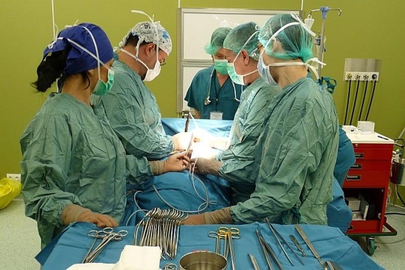 За първи път у нас изградиха и имплантираха трахея