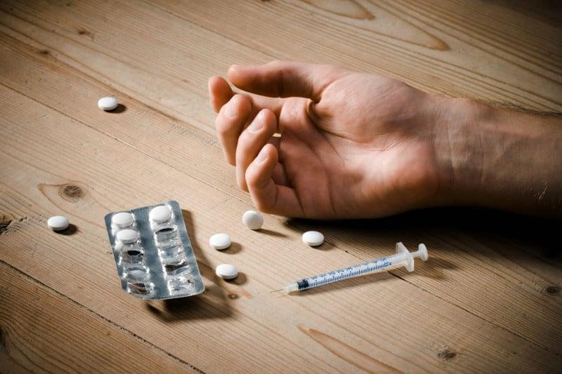 Асептична рабдомиолиза и нефропатия с миоглобинурия при хероиномани