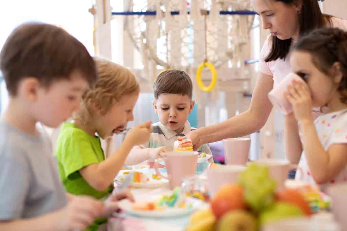 Без торти, вафли и пържено в детските градини