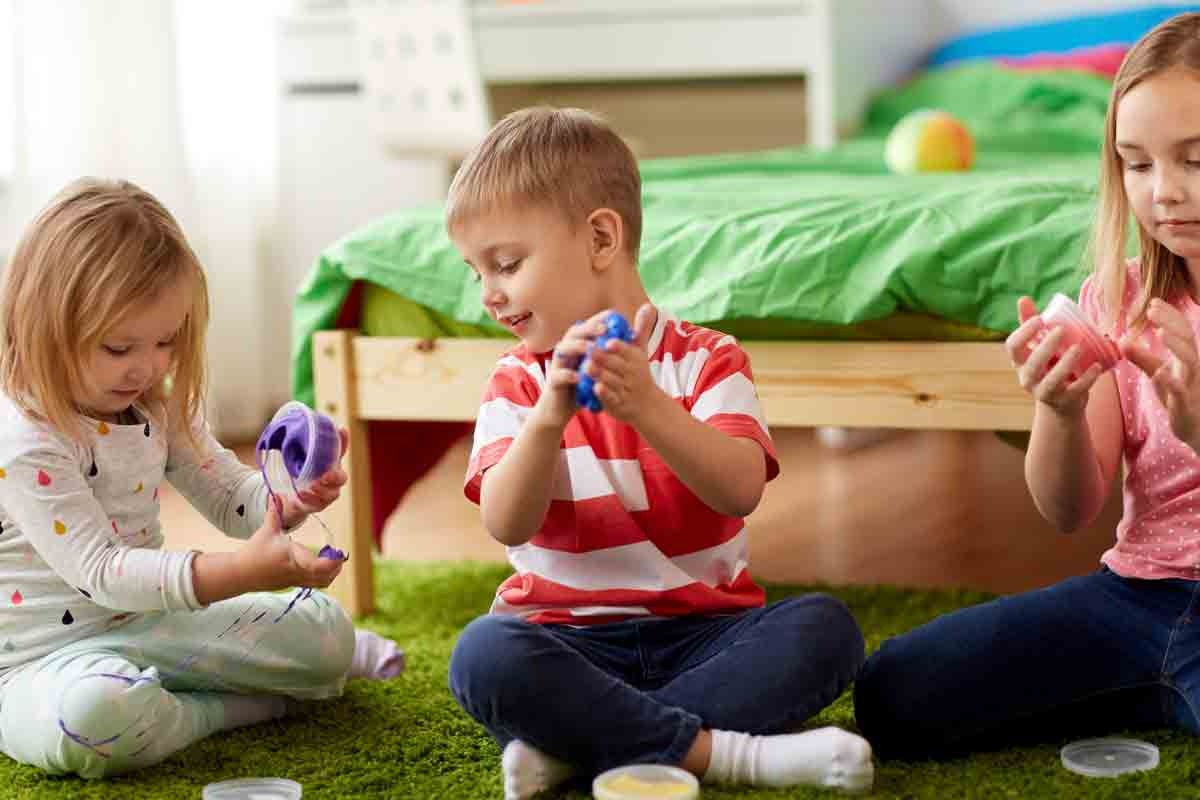 Ново домашно хоби (СЛАЙМ) – причинител на контактен дерматит