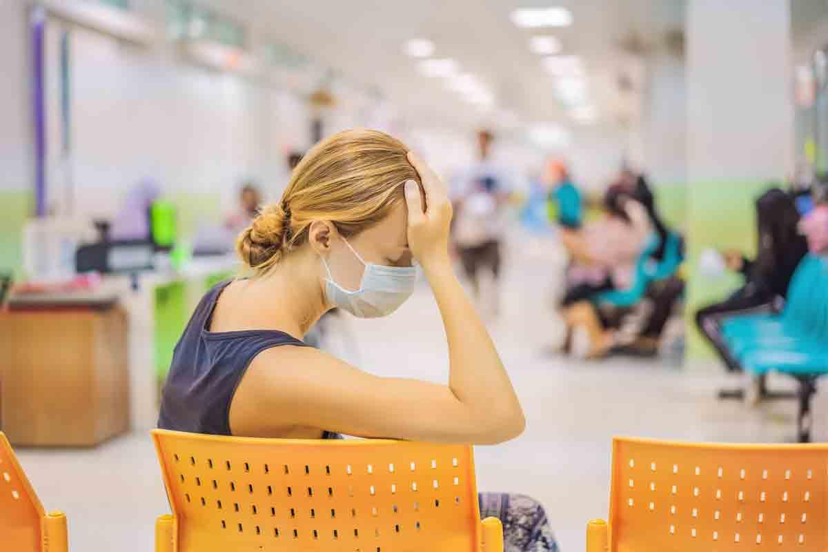 В Уелс: 4 пъти повече пациенти чакат по 12 часа за спешна помощ