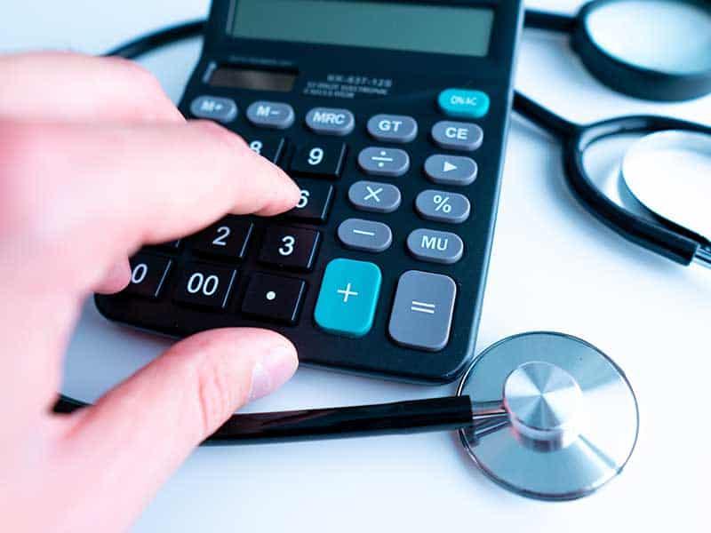 РЗИ, ЦСМП и НЦЗПБ ще получат допълнителни тримесечни бонуси за работата си по епидемията