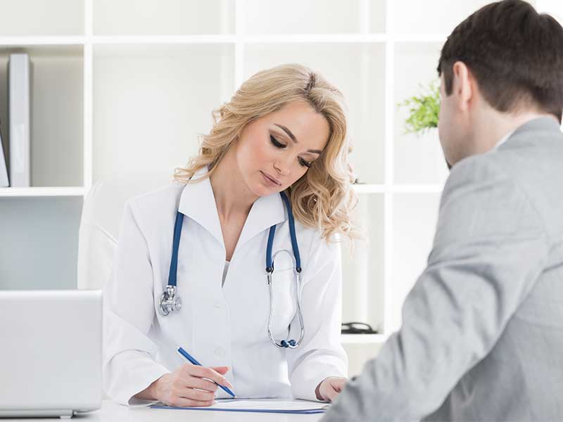 Всеки лекар да може да издава направление за PCR тест искат личните лекари