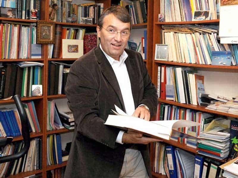 Акад. Лъчезар Трайков е новият ректор на МУ-София