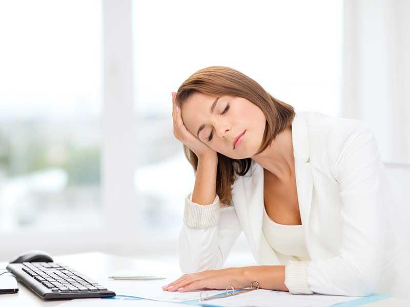 Кое предизвиква умората при работа с компютър?
