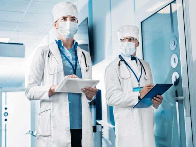 """Експерти на здравния дебат на """"Най-добрите болници"""""""